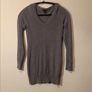 H&M v neck gray sweater
